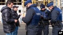 Policija na granici Francuske i Belgije