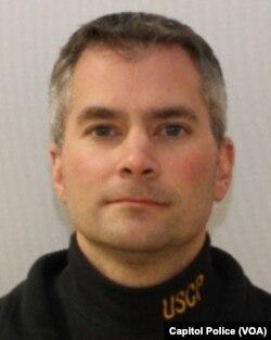 Kongre baskınında hayatını kaybeden polis memuru Brian Sicknick