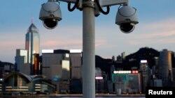 资料照:香港尖沙咀树立着的监控摄像头 (2020年7月28日)