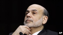 Federal Reserve Chairman Ben Bernanke gives the Semiannual Monetary Policy Report to Congress while testifying before the Senate Banking Committee on Capitol Hill in Washington, March 1, 2011