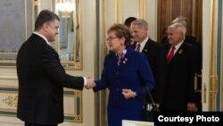 Американські законодавці зустрічаються з президентом Порошенком у Києві. Березень, 2015.