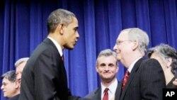 سهرۆک ئۆباما پاش مۆرکردنی پـرۆژه بڕیاری کهمکردنهوهی باج دهسـتخۆشی لێـدهکرێت، ههینی 18 ی دوازدهی 2010