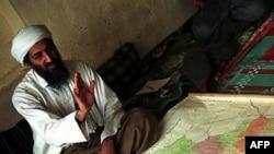 Proterani saudijski disident Osama bin Laden snimljen u Avganistanu, 1998. godine