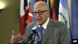 Utusan PBB dan Liga Arab untuk Suriah, Lakhdar Brahimi menyerukan dialog antara pemerintah Suriah dan oposisi di kantor PBB.