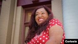 Ruby Corado, directora ejecutiva de Casa Ruby señala que con su iniciativa aleja a muchos jóvenes vulnerables de la violencia.