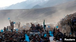 Afghan Candidates Pledge Peace, Prosperity Amid Violence