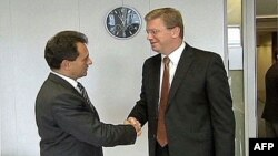 Potpredsednik vlade Srbije Božidar Đelić i evropski komesar za proširenje Štefan File tokom susreta u Briselu