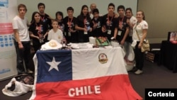Delegación chilen aestá integrada por siete estudiantes de diversos colegios de Chile y forma parte de la escuela de verano de la Universidad de Chile bajo el liderazgo del maestro Aldo Di Biase Friedmann.