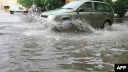 Nhiều trận bão và lụt lội tại bang Tennessee, Mississippi và Kentucky giết chết ít nhất 15 người
