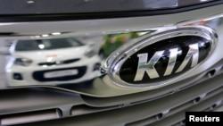 지난 3월 러시아 모스크바 시내 기아자동차 매장에 전시된 차량. (자료사진)