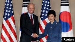 Potpredsednik SAD Džozef Bajden i južnokorejska predsednica Park Geun-hje