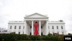La Casa Blanca conmemora el Día Mundial del Sida.