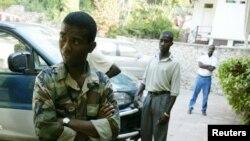 Guy Philippe, ansyen chèf lame rebèl la nan Kap-Ayisyen, Ayiti. Foto: 25 fevriye 2004.