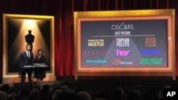 Dari kiri, Chris Hemsworth dan Presiden AMPAS Cheryl Boone Isaacs mengumumkan nominasi Academy Awards ke-86, Kamis (16/1) di Beverly Hills, California.