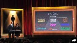 Từ trái, Chris Hemsworth và Chủ tịch Hàn Lâm viện Nghệ thuật Ðiện ảnh và Khoa học Cheryl Boone Isaacs công bố các đề cử giải Oscar cho phim hay nhất, tại Beverly Hills, California, 16/1/13