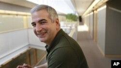 Rojnamevanê Navdar yê Amerîkî Anthony Shadid li Sûrîyê Mir