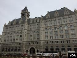 资料照:华盛顿新开张的川普国际酒店与白宫都在宾夕法尼亚大道上。