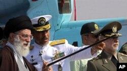 جمران نامی تباہ کن ایرانی بحری جہاز کے افتتاح کی تقریب