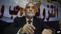 Ông Badie, lãnh đạo nhóm Huynh đệ Hồi giáo, bị bắt vì có liên can đến cái chết của người biểu tình