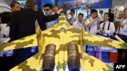 Экспозиция истребителя Су-35 на 6 Международной авиационной и аэрокосмической выставке в Китае. Архивное фото.