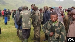 Nyatura militia combatants at an army camp in North Kivu, DRC (N. Long, VOA)