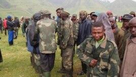 Nyatura militia combatants at an army camp in North Kivu, DRC (N. Long, VOA)