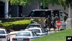 Un equipo SWAT fue enviado de immediato al canal de noticias en Baltimore.