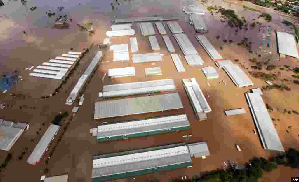 13 Ocak: Brisbane sular altında