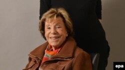 La journaliste et romancière française Benoîte Groult est décédée à l'âge de 96 ans dans la nuit de lundi à mardi 21 juin 2016. EPA / JEAN FRANCOIS PAGA