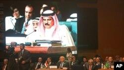 Yemen Dışişleri Bakanı Riyad Yassin Arap Birliği zirvesinde konuşurken
