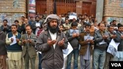 Šiitski muslimani održali su nemi protest posle eksplozija u Kveti, 11. januara 2013.
