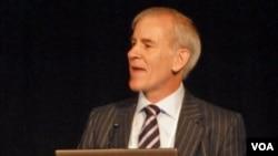 Dr. Brian Brink, CMO, Anglo-American (De Capua)