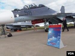 2013年莫斯科航展上展出的苏-30SM战机,俄军正这种先进战机更多部署在与中国接壤地区。