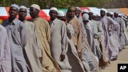 Wasu maza da ake zaton yan kungiyar Boko Haram ne