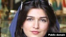 غنچه قوامی شهروند ۲۵ ساله ایرانی-بریتانیایی که از اوایل تیر ماه تاکنون در ایران زندانی است.