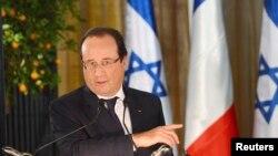 2013年11月17日法國總統奧朗德在耶路撒冷的記者會上發表講話。
