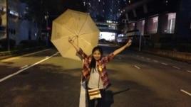 Nancy Nguyễn trong khu Mong Kok