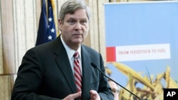 U.S. Agriculture Secretary Tom Vilsack speaks at the DuPont Beaver Creek research facility, in Johnston, Iowa, March 29, 2013.