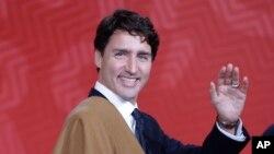 Justin Trudeau, cuyo padre fue muy amigo de Fidel Castro, fue fuertemente criticado por su cálida declaración sobre el fallecido gobernante cubano.