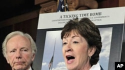 Senators Susan Collins (r) and Joseph Lieberman on Capitol Hill discuss the report on 2009 Fort Hood shootings, February 3, 2011