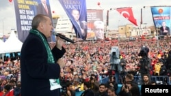 Turkish President Tayyip Erdogan addresses his supporters in Konya, Turkey, Dec. 17, 2018.
