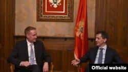 Zamjenik pomoćnika američkog sekretara za odbranu Majkl Karpenter i crnogorski ministar odbrane Predrag Bošković (gov.me)