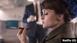 در صورتی که سیگار کشیدن در پردازش شخصیتی تاریخی مانند نقش «شاهدخت مارگارت» در سریال «تاج» ضروری باشد، نتفلیکس آن را حذف نخواهد کرد