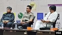 Irwasum Polri, Putut Eko Bayuseno (tengah). (Foto: VOA/Ahmad Bhagaskoro)