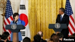 美國總統奧巴馬和韓國總統朴槿惠(左)5月7日在白宮舉行聯合記者會