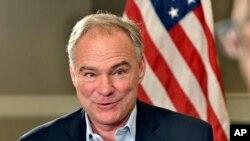 팀 케인 민주당 부통령 후보가 지난 22일 보스턴에서 AP통신과 인터뷰하고 있다. (자료사진)