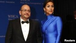 آقای رضائیان که در ایران زندانی بود، به همراه همسرش در نشست خبرنگاران کاخ سفید. عکس آرشیو