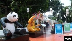 "Salah satu sudut peringatan ""Earth Hour"" di Jakarta, 23 Maret 2013 (VOA/Iris Gera)."
