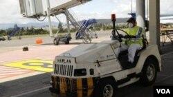El aeropuerto internacional de Quito es uno de los lugares donde los rebeldes se manifestan.
