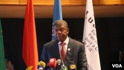 Lourenço diz que desestabilizadores são angolanos que roubaram o país